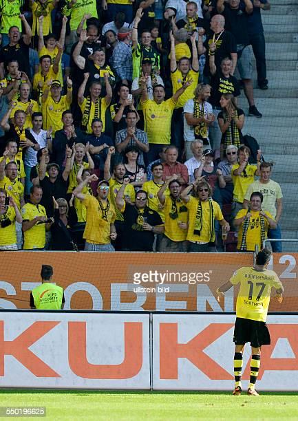 Jubel bei den Dortmund Fans nach dem Tor zum 01 durch PierreEmerick Aubameyang waehrend dem Fussball Bundesliga Spiel 1 FCAugsburg gegen Borussia...