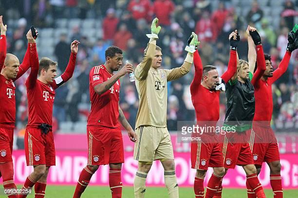 Jubel der Mannschaft nach dem Sieg über SV Werder Bremen Von links Arjen Robben Philipp Lahm Jérome Boateng Manuel Neuer Franck Ribéry Anatoliy...