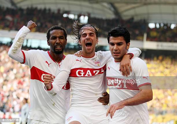 Jubel von Torschützen Serdar Tasci nach dem Tor zum 10 mit Martin Harnik und Cacau Fussball 1 Bundesliga VFB Stuttgart Borussia Dortmund Saison 2011...
