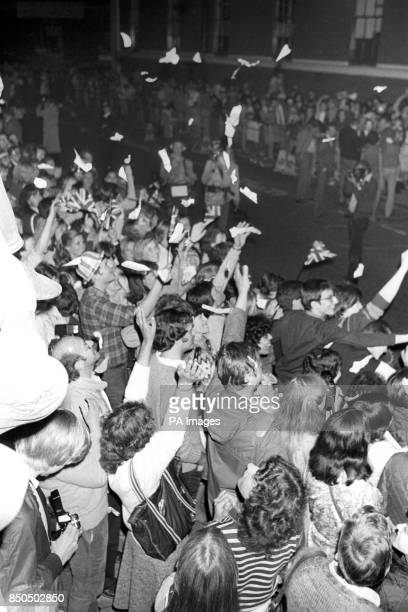 Jubilant crowds outside St Mary's Hospital in Paddington London after the announcement that the Princess of Wales had given birth to their first...