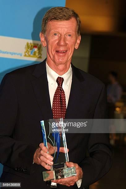 Jubiläumsgala 10 Jahre Bayerischer Sportpreis in der BMWWelt München Rallyefahrer Walter Röhrl