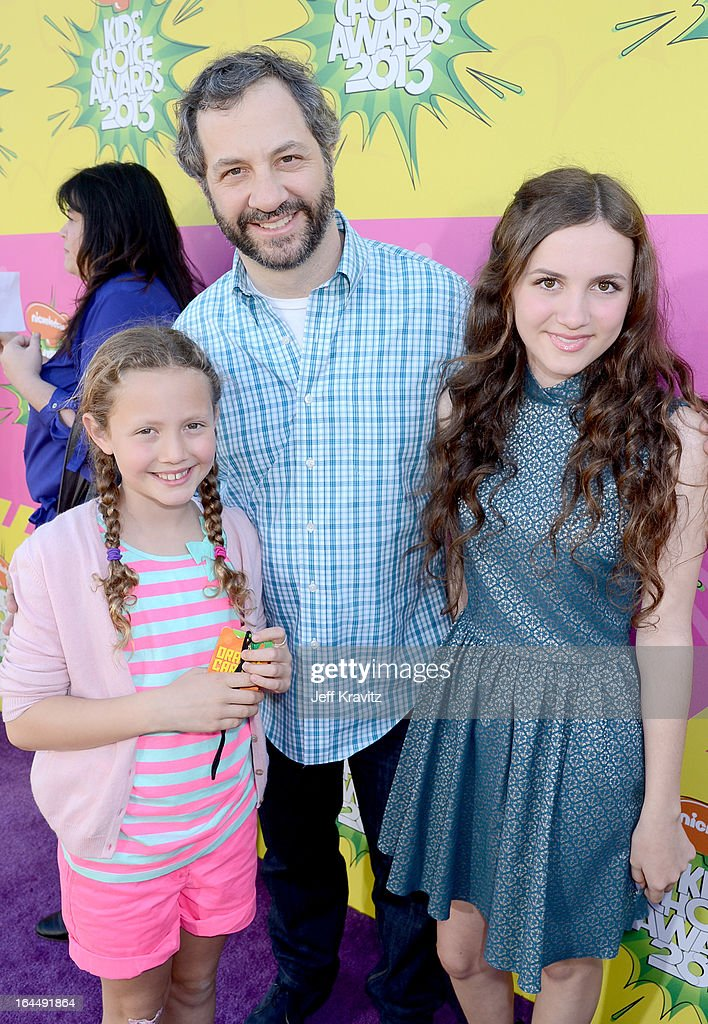 Judd Apatow (C), Iris Apatow (L) and Maude Apatow arrive at Nickelodeon's 26th Annual Kids' Choice Awards at USC Galen Center on March 23, 2013 in Los Angeles, California.