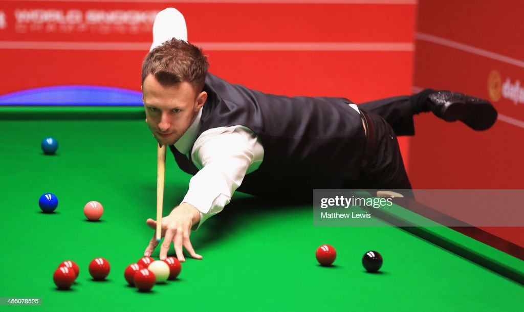 <a gi-track='captionPersonalityLinkClicked' href=/galleries/search?phrase=Judd+Trump&family=editorial&specificpeople=4254560 ng-click='$event.stopPropagation()'>Judd Trump</a> of England in action against Tom Ford of England during day four of the The Dafabet World Snooker Championship at Crucible Theatre on April 21, 2014 in Sheffield, England.