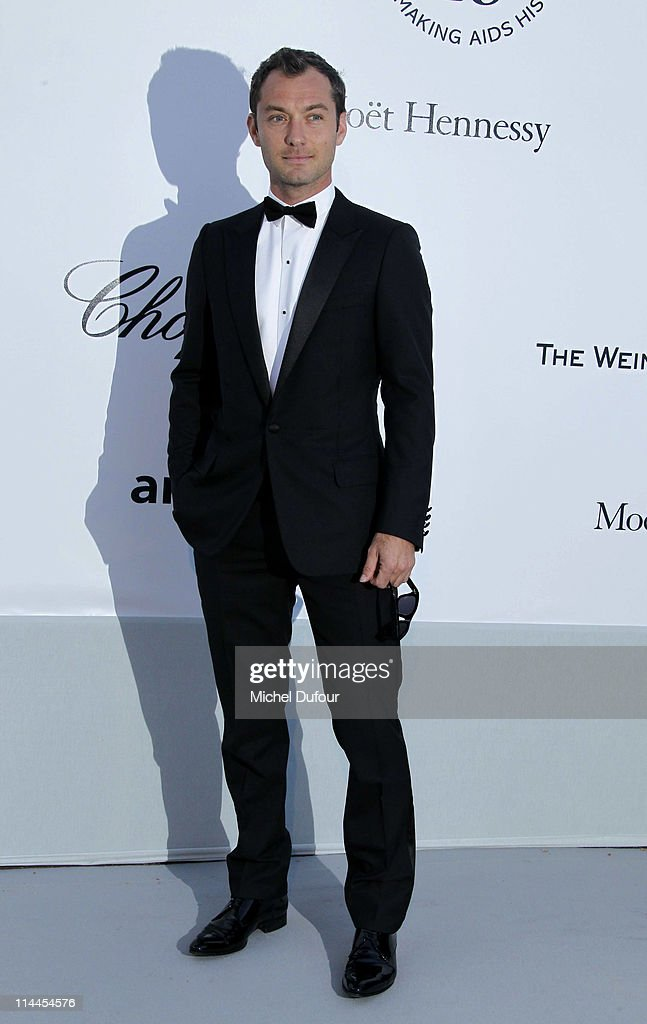 <a gi-track='captionPersonalityLinkClicked' href=/galleries/search?phrase=Jude+Law&family=editorial&specificpeople=156401 ng-click='$event.stopPropagation()'>Jude Law</a> attends amfAR's Cinema Against AIDS Gala during the 64th Annual Cannes Film Festival at Hotel Du Cap on May 19, 2011 in Cannes, France.