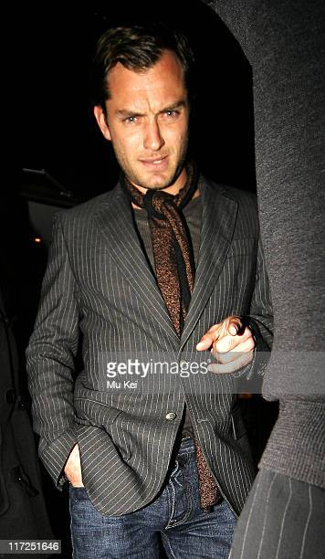 Jude Law during Jude Law and Kristin ScottThomas Sighting at the Groucho Club in London March 22 2006 in London Great Britain