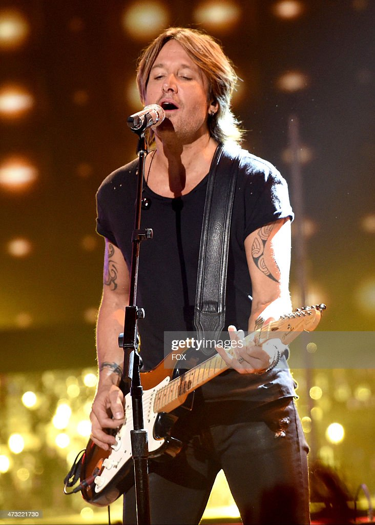 Judge Keith Urban performs onstage at FOX's 'American Idol XIV' Finale on May 13, 2015 at the Dolby Theater in Hollywood, California.