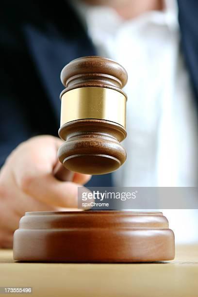 Los jueces mazo