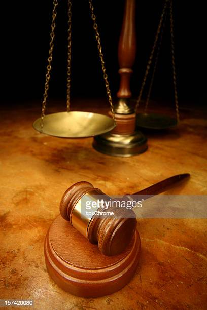 Juízes Martelo de Juiz & Balança da Justiça