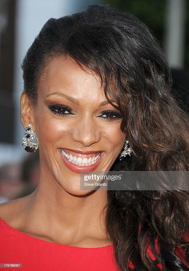Judi Shekoni arrives at the 'Elysium' - Los Angeles Premiere at Regency Village Theatre on August 7, 2013 in Westwood, California.