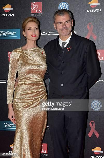 Judit Masco and Eduardo Vicente pose during a photocall for the '4th Annual Gala Sida Barcelona 2013' held at the El Museo Nacional de Arte de...