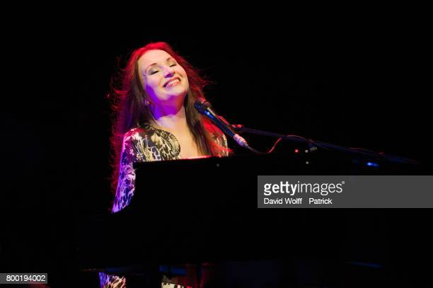Judith Owen opens for Bryan Ferry at L'Olympia on June 23 2017 in Paris France