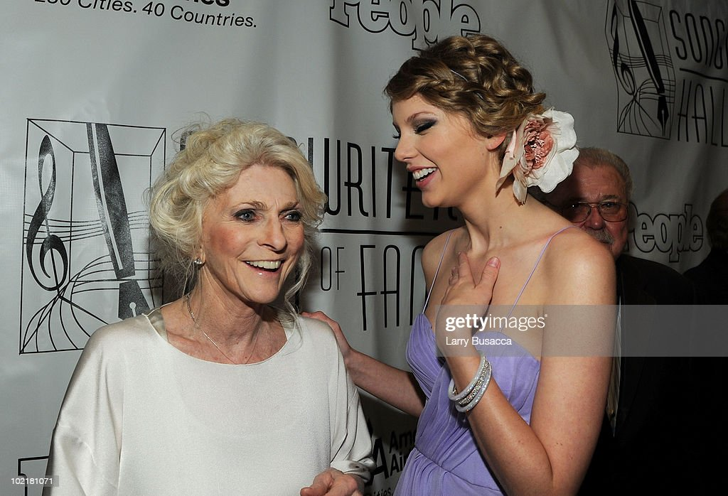 Judy Collins and Taylor Swift meet at the 41st Annual Songwriters Hall of Fame Ceremony at The New York Marriott Marquis on June 17, 2010 in New York City.