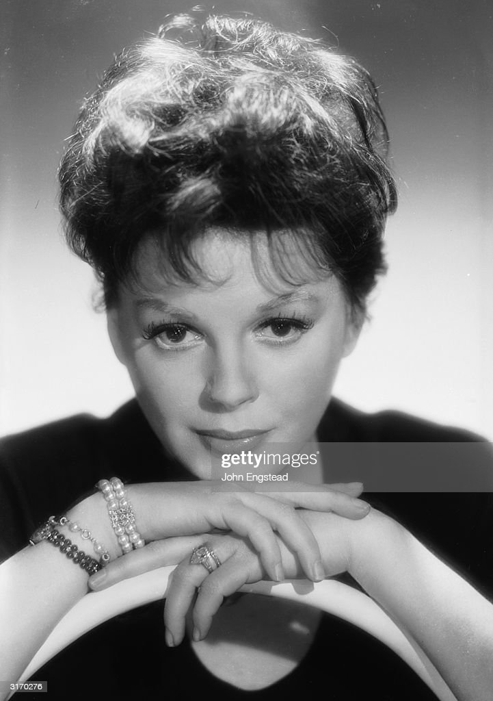 Judy Garland (Frances Ethel Gumm) (1922 - 1969) in the sixties. Her simple jewellery consists of a wedding and engagement ring and several pearl bracelets on one wrist.