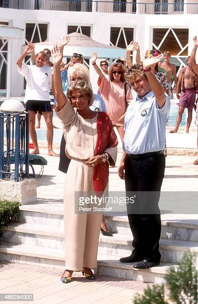 'Judy Winter Hape Kerkeling ARDReihe ''Wilde Herzen'' Folge ''Club las Piranhas'' am im ''Sonesta Beach Resort Hotel'' in Hurghada in Ägypten '