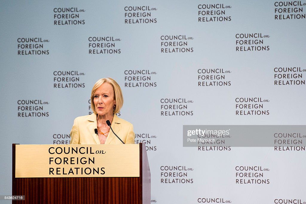 Judy Woodruff, co-anchor and managing editor of PBS' 'Newshour' introduces CIA Director John Brennan at The Council on Foreign Relations on June 29, 2016 in Washington, DC.