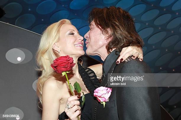 Juergen Drews der deutsche Schlagersaenger mit seiner Ehefrau Ramona