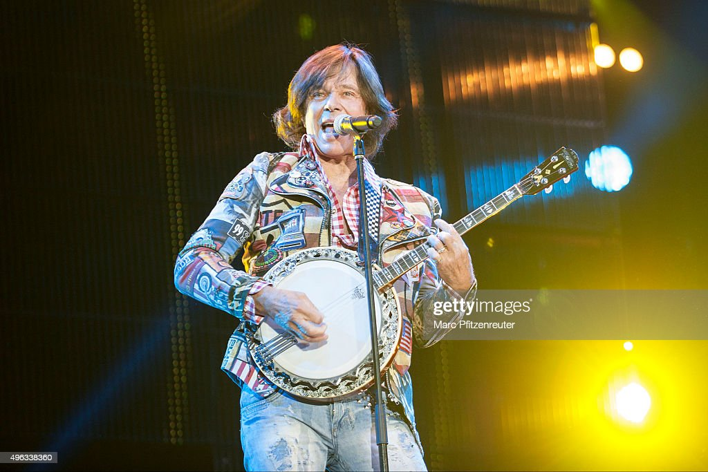 Juergen Drews performs onstage during the 'Schlager-Starparade' at the Koenig-Pilsener-Arena on November 8, 2015 in Oberhausen, Germany.