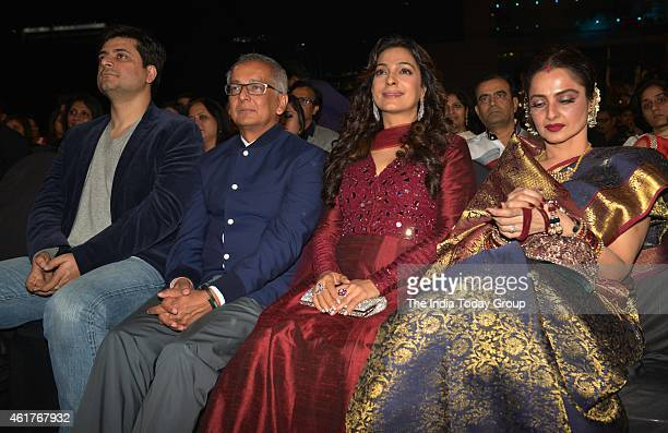 Juhi Chawla and Rekha in Life ok screen awards 2015