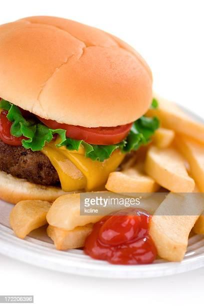 Saftiges Cheeseburger & Pommes frites