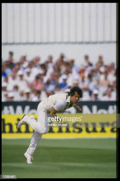 Imran Khan bowls for Pakistan in the 3rd Test between England and Pakistan at Headingley Mandatory Credit Adrian Murrell/Allsport UK