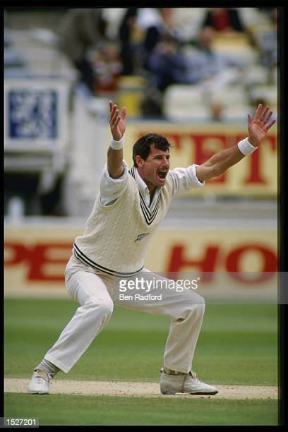 Richard Hadlee of New Zealand appeals for a wicket during the third test against England Mandatory Credit Ben Radford/Allsport UK
