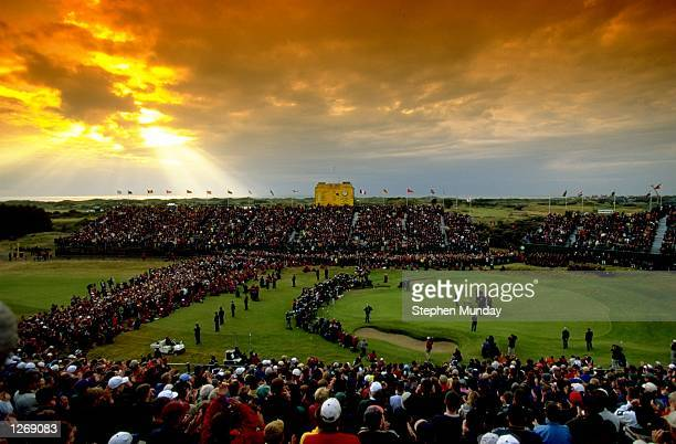 General view of the 18th green during the British Open at Royal Birkdale Golf Club in Lancashire England Mandatory Credit Stephen Munday/Allsport