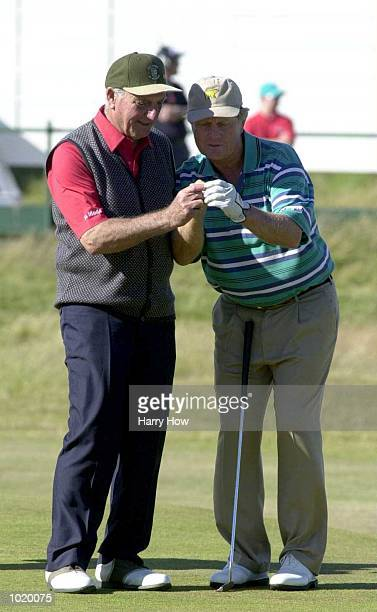 Jack Nicklaus with Roberto de Vicenzo during the Champions Challenge round at the 2000 British Open golf Championship at the Old Course St Andrews...