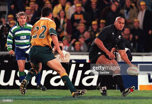 Jonah Lomu of New Zealand scores the winning try during the match between Australia v New Zealand All Blacks for the Bledisloe Cup at Stadium...