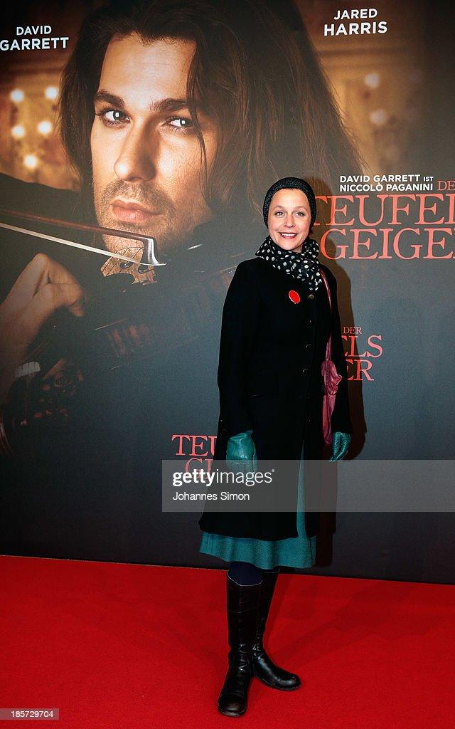 Jule Ronstedt arrives for the 'Der Teufelsgeiger' Premiere on October 24, 2013 in Munich, Germany.