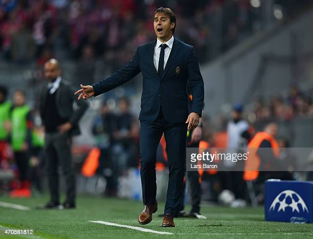 Julen Lopetegui manager of FC Porto on the touchline during the UEFA Champions League Quarter Final Second Leg match between FC Bayern Muenchen and...