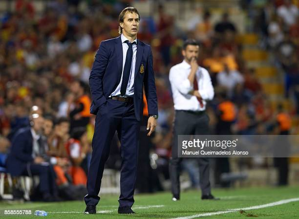 Julen Lopetegui manager of Spain looks on during the FIFA 2018 World Cup Qualifier between Spain and Albania at Rico Perez Stadium on October 6 2017...