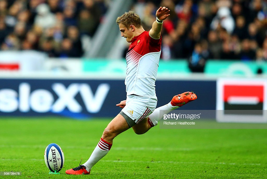 Jules Plisson of France kicks a penalty during the RBS Six Nations match between France and Italy at Stade de France on February 6, 2016 in Paris, France.