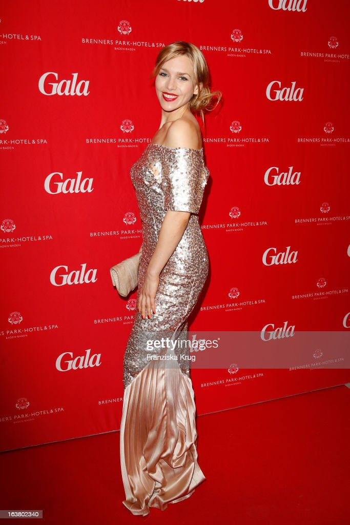 <a gi-track='captionPersonalityLinkClicked' href=/galleries/search?phrase=Julia+Dietze&family=editorial&specificpeople=4235064 ng-click='$event.stopPropagation()'>Julia Dietze</a> attends the Gala Spa Awards 2013 at the Brenners Park Hotel on March 16, 2013 in Berlin, Germany.