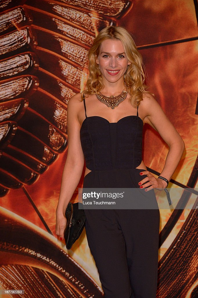 <a gi-track='captionPersonalityLinkClicked' href=/galleries/search?phrase=Julia+Dietze&family=editorial&specificpeople=4235064 ng-click='$event.stopPropagation()'>Julia Dietze</a> attends the German premiere of the film 'The Hunger Games - Catching Fire' (Tribute von Panem - Catching Fire) at Sony Centre on November 12, 2013 in Berlin, Germany.