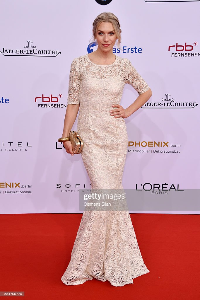 <a gi-track='captionPersonalityLinkClicked' href=/galleries/search?phrase=Julia+Dietze&family=editorial&specificpeople=4235064 ng-click='$event.stopPropagation()'>Julia Dietze</a> attends the Lola - German Film Award (Deutscher Filmpreis) on May 27, 2016 in Berlin, Germany.