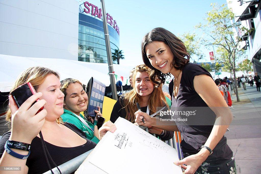 Julia Jones (R) attends the Twilight fan camp breakfast at L.A. LIVE on November 11, 2012 in Los Angeles, California.