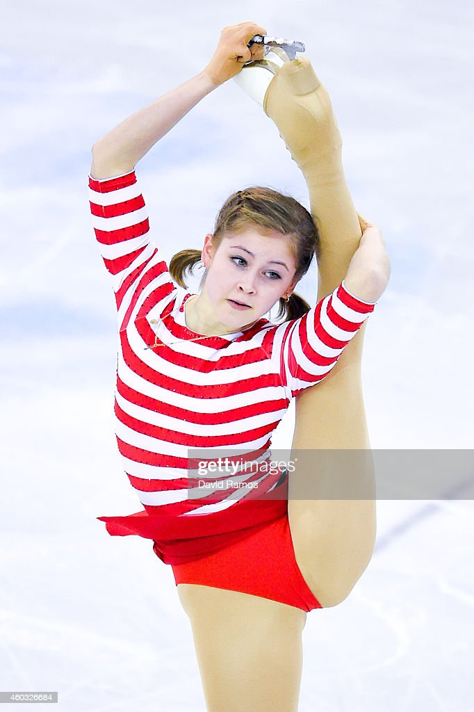 <a gi-track='captionPersonalityLinkClicked' href=/galleries/search?phrase=Julia+Lipnitskaia&family=editorial&specificpeople=8736202 ng-click='$event.stopPropagation()'>Julia Lipnitskaia</a> of Russia during the Ladies Short Program Final during day one of the ISU Grand Prix of Figure Skating Final 2014/2015 at Barcelona International Convention Centre on December 11, 2014 in Barcelona, Spain.