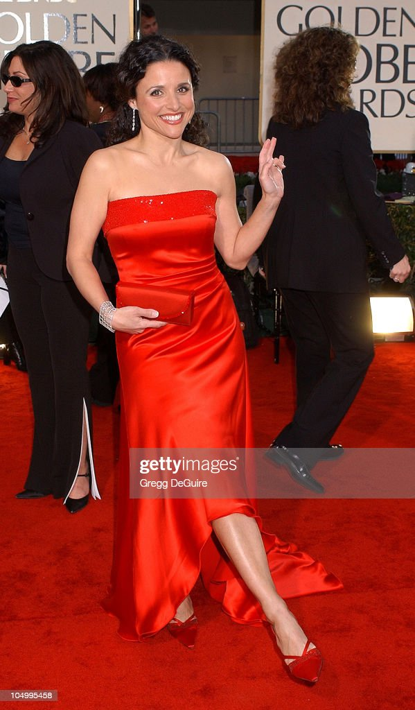 Julia Louis-Dreyfus arrives for the Golden Globe Awards at the Beverly Hilton Hotel in Beverly Hills, California January 20, 2002.