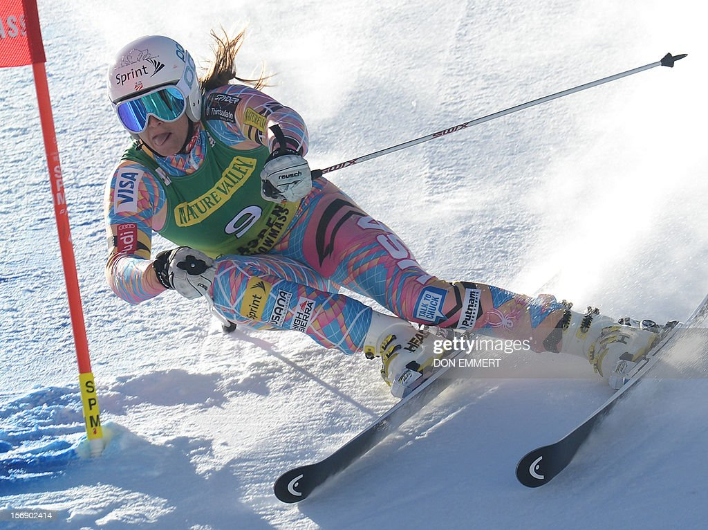 Julia Mancuso of the US clears a gate during the first run of the women's World Cup giant slalom in Aspen on November 24, 2012. AFP PHOTO/Don EMMERT
