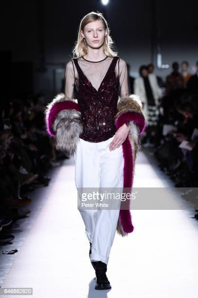 Julia Nobis walks the runway during the Dries Van Noten show as part of the Paris Fashion Week Womenswear Fall/Winter 2017/2018 on March 1 2017 in...