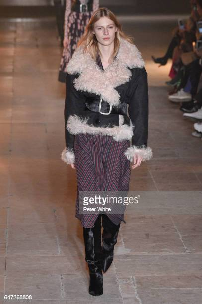 Julia Nobis walks the runway during the Isabel Marant show as part of the Paris Fashion Week Womenswear Fall/Winter 2017/2018 on March 2 2017 in...