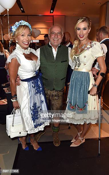 Julia Prillwitz Axel Munz and Verena Kerth during the dresscoded goes Wasen event at Armani Caffe on August 31 2016 in Munich Germany Dresscoded will...