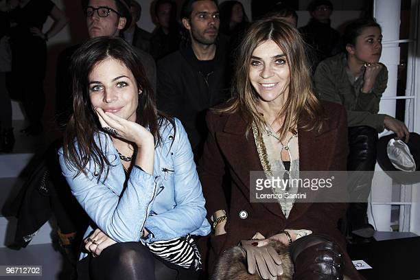 Julia RestoinRoitfeld and Carine Roitfeld attend Altuzarra Fall 2010 during MercedesBenz Fashion Week at Milk Studios on February 13 2010 in New York...