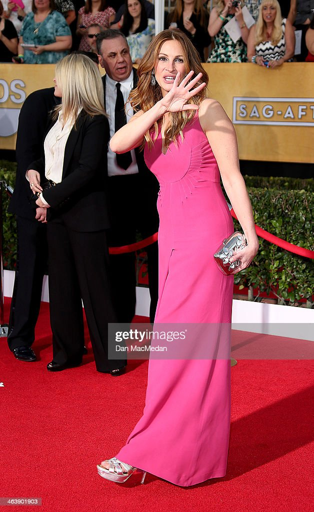 Julia Roberts arrives at the 20th Annual Screen Actors Guild Awards at the Shrine Auditorium on January 18, 2014 in Los Angeles, California.