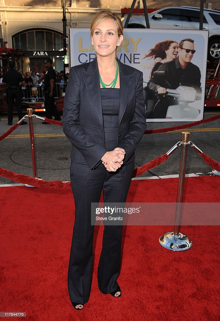 Julia Roberts attends the 'Larry Crowne' Los Anglees Premiere at Grauman's Chinese Theatre on June 27 2011 in Hollywood California