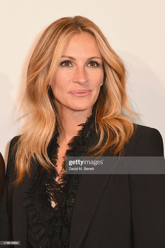 <a gi-track='captionPersonalityLinkClicked' href=/galleries/search?phrase=Julia+Roberts&family=editorial&specificpeople=202605 ng-click='$event.stopPropagation()'>Julia Roberts</a>, attends the photocall for the Lancome Celebrates 80 Years of Beauty With All Its Ambassadresses on July 7, 2015 in Paris, France.