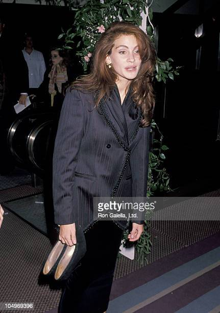 Julia Roberts during 'Steel Magnolias' New York City Premiere at Ziegfeld Theater in New York City New York United States