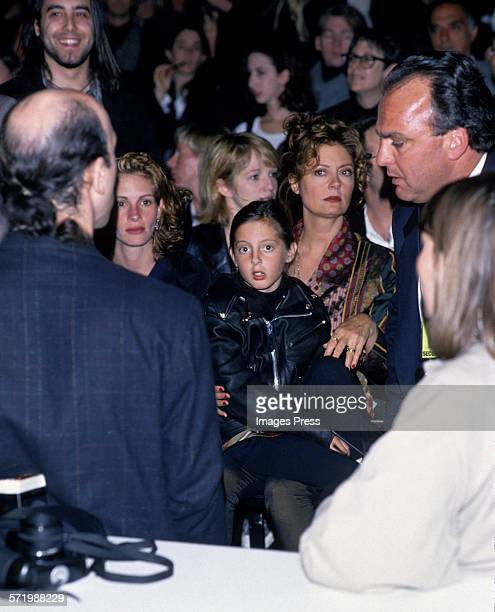 Julia Roberts Susan Sarandon and daughter Eva Amurri attend the Todd Oldham Fall 1994 Fashion Show circa 1994 in New York City