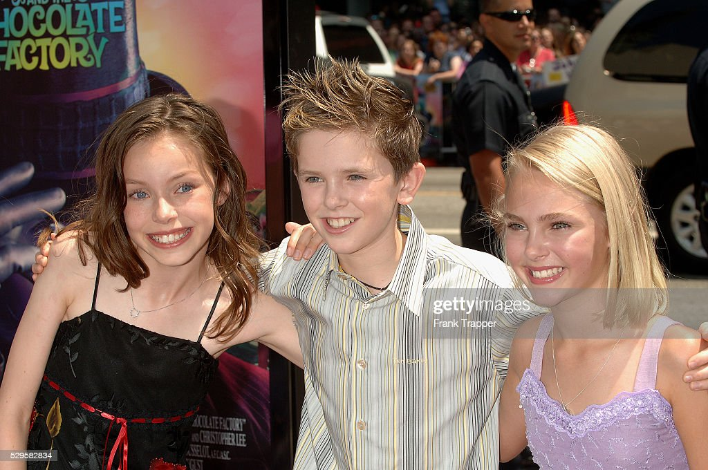 charlie and the chocolate factory world premiere in los angeles julia winter freddie highmore and annasophia robb arrive at the world premiere of charlie