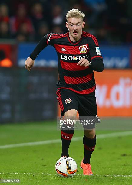 Julian Brandt of Leverkusen controles the ball during the Bundesliga match between Bayer Leverkusen and FC Bayern Muenchen at BayArena on February 6...